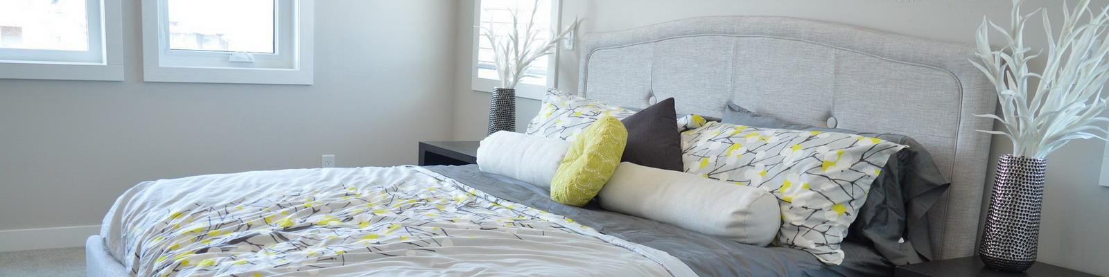 sin duda alguna el cabecero de cama que se ha convertido en una pieza decorativa muy importante en los ltimos aos nos permitir aportar un elemento ms